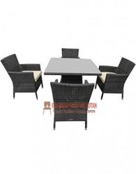 kursi dan meja kerajinan rotan