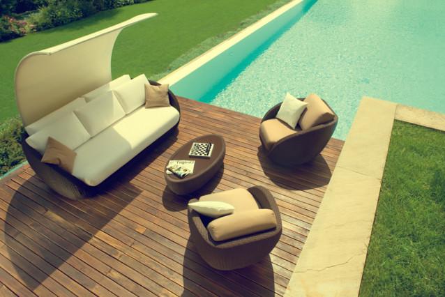 Sofa rotan jepara bergaya minimalis moderen yang elegan