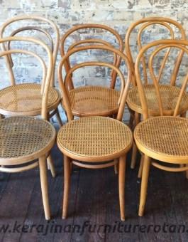 Kursi makan kafe minimalis Lombardy