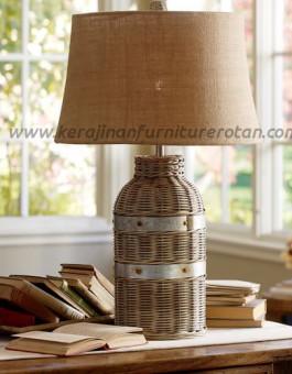 Lampu meja rotan minimalis botol furniture rotan minimalis