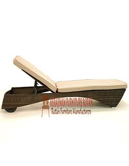 Furniture Minimalis Lounger Kerajinan Rotan KFR-AR-140