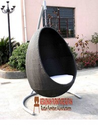 model furniture minimalis ayunan rotan