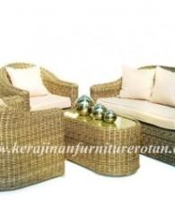 furniture rotan dengan model kursi tamu