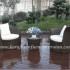 Mebel rotan sintetis berjenis kursi teras dengan penampilan diagonal