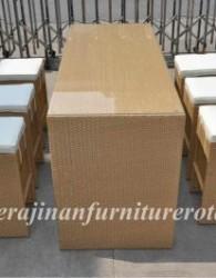 furniture rotan dengan nama Mejamakan minimalis dengan gaya moderen glowing glass