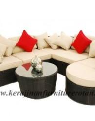 Kursi rotan minimalis dengan bentuk menyerupai tabung
