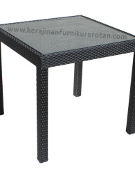 Meja rotan minimalis kotak dengan kaca