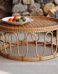 Meja teras rotan tradisional
