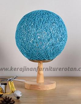 Lampu meja rotan bola wol furniture rotan minimalis