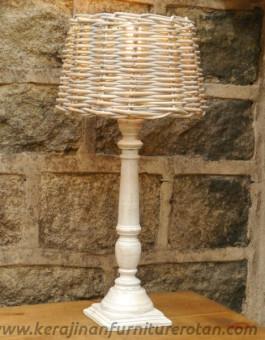Lampu meja minimalis furniture rotan modern